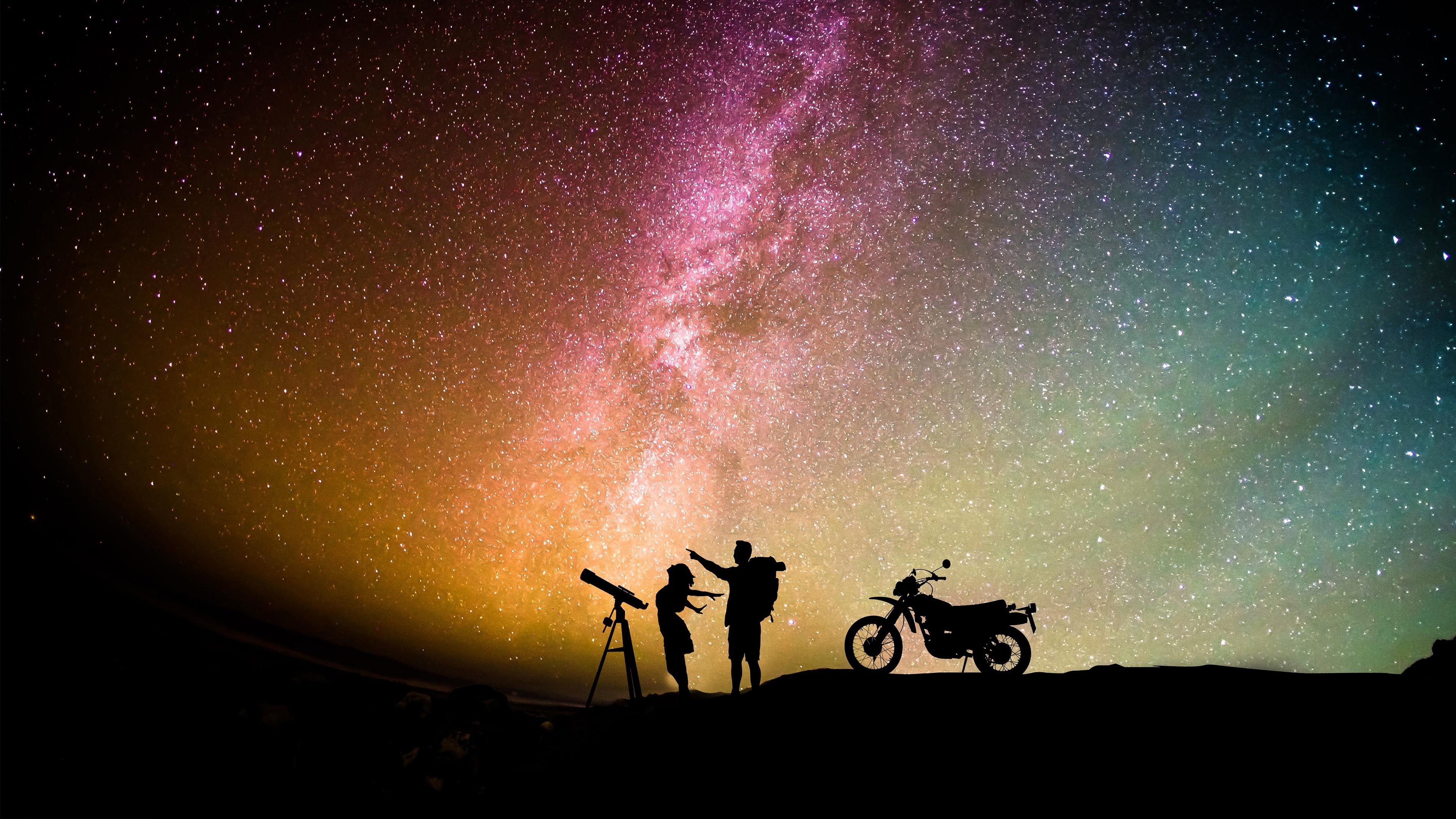 Фото Звезды мужчина силуэты Девушки Небо Мотоциклист ночью 3840x2160 Мужчины Силуэт силуэта девушка молодые женщины молодая женщина Ночь в ночи Ночные
