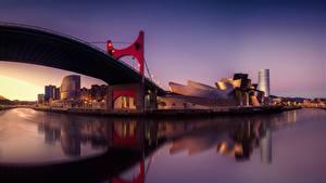 Фотографии Мосты Испания Вечер Речка Музей Bilbao Guggenhein Pais Vasco Города