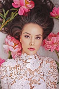 Фото Пионы Азиаты Шатенка Взгляд Красивые Девушки