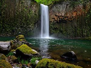 Картинки Водопады Камни Скала Мох Природа