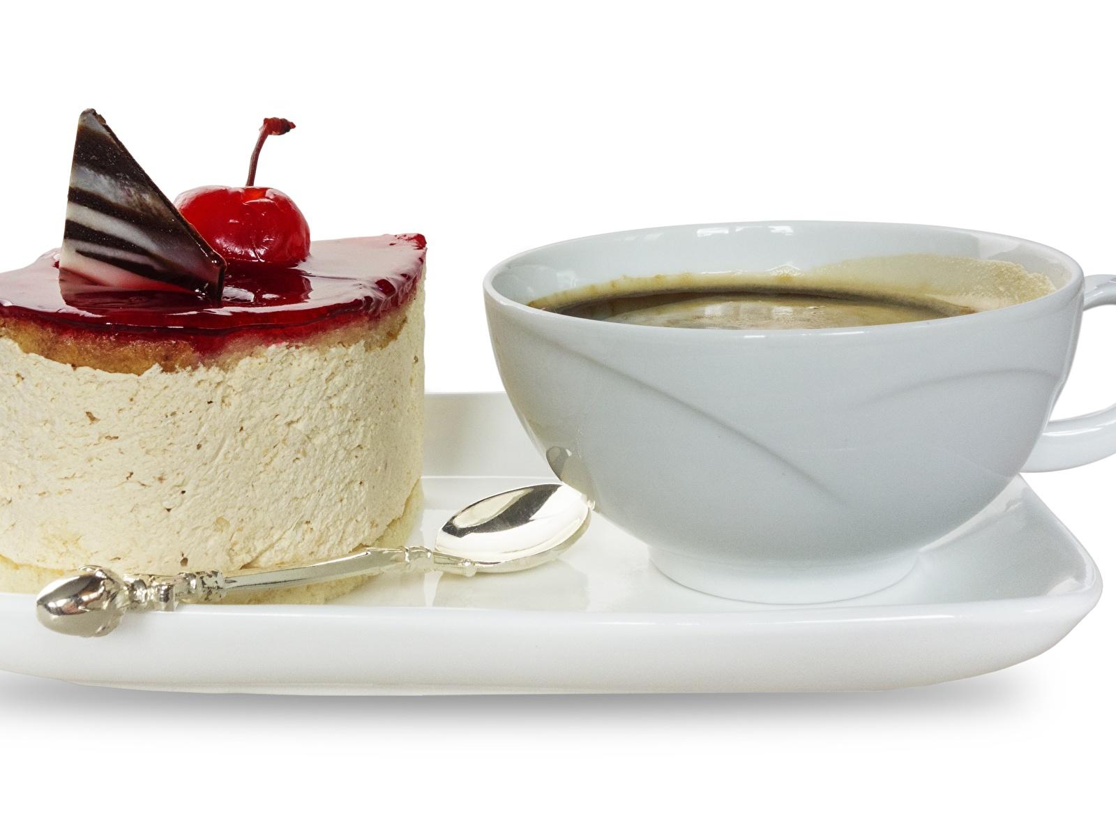 Обои для рабочего стола Кофе Торты Завтрак Десерт Пища чашке Белый фон 1600x1200 Еда Чашка Продукты питания белом фоне белым фоном