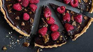Картинки Пирог Малина Шоколад Кусочки Продукты питания