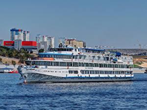 Фото Россия Речка Здания Корабли Круизный лайнер Volgograd Cruise ship  F. I. Panfyorov Города
