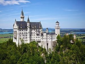 Картинки Замки Германия Леса Нойшванштайн Бавария