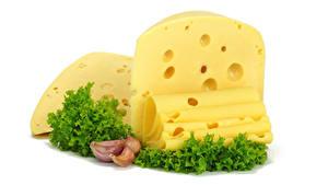 Картинка Сыры Чеснок Белым фоном Нарезанные продукты Еда