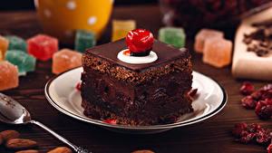 Картинка Сладости Пирожное Шоколад Тарелка