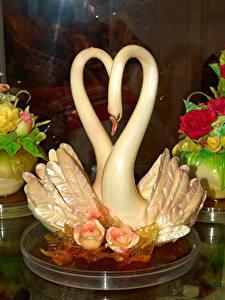 Обои Сладости Лебеди Розы Дизайн Продукты питания