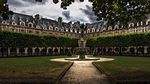 Картинки Франция Дома Парки Фонтаны Париже Газон Notre Dame Города