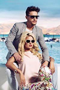 Фотографии Мужчины Любовь Двое Блондинка Очки Девушки