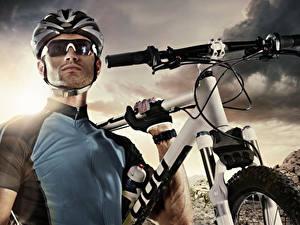 Фото Мужчины Шлем Очки Велосипед Униформа Спорт