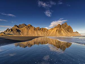 Обои для рабочего стола Исландия Берег Гора Отражении Природа
