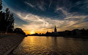 Картинки Вроцлав Польша Рассветы и закаты Реки Небо Вечер Silesia город