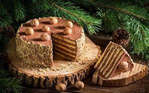 Обои Торты Новый год Орехи Кусок