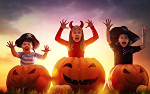 Фото Хэллоуин Тыква Втроем Девочки Мальчики Шляпа ребёнок