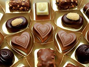 Фото Сладкая еда Конфеты Шоколад Серце Пища
