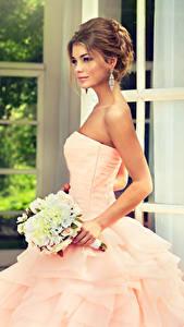 Картинки Букеты Шатенки Невесты Платье