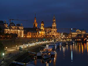 Фото Дрезден Германия Дома Реки Пристань Речные суда Ночь Уличные фонари Города
