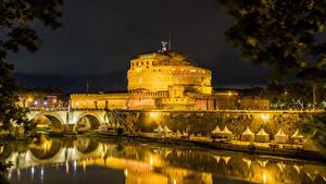 Картинки Италия Рим Замки Реки Мосты Ночью Castel Sant'Angelo Города