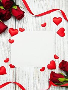 Фотографии День всех влюблённых Розы Шаблон поздравительной открытки Красный Лента Сердечко Цветы