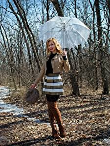 Обои Весенние Victoria Borodinova Зонтик Куртка Юбке Ног Сапогов Блондинок девушка