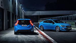 Картинка Volvo Две Голубых машины