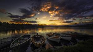 Картинки Рассветы и закаты Речка Небо Лодки Пирсы Облака Природа