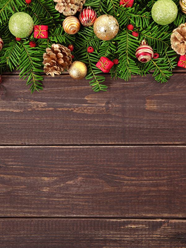 Картинка Рождество Шар шишка Доски 600x800 для мобильного телефона Новый год Шишки Шарики