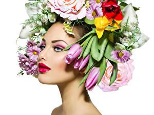 Картинка Тюльпаны Белый фон Лицо Макияж Красные губы Девушки Цветы