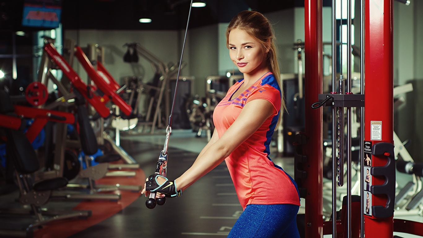 Фотографии шатенки Nikolas Verano красивая Фитнес Спорт Девушки 1366x768 Шатенка красивый Красивые