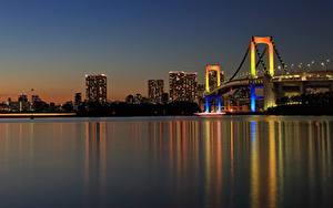Обои для рабочего стола Мосты Токио Япония Ночью Залив Rainbow Bridge город