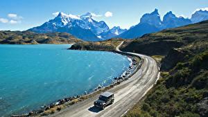 Картинки Чили Горы Озеро Дороги Pehoe Lake Patagonia Природа
