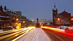 Фото Канада Здания Дороги Вечер Зимние Памятники Квебек Улица Уличные фонари Движение Sherbrooke город