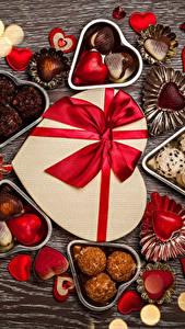 Фотография День святого Валентина Сладкая еда Конфеты Шоколад Доски Сердца Пища