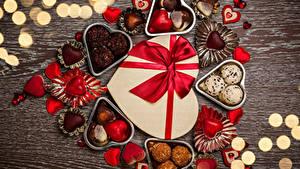 Фотография День святого Валентина Сладкая еда Конфеты Шоколад Доски Сердца