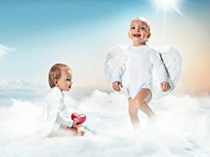 Картинки Ангелы Грудной ребёнок Двое Улыбка Крылья Сердечко Дети