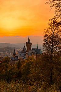 Картинки Германия Замки Осенние Рассветы и закаты Wernigerode Города