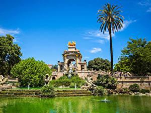 Обои Испания Парки Скульптура Пруд Фонтаны Барселона Пальмы Природа