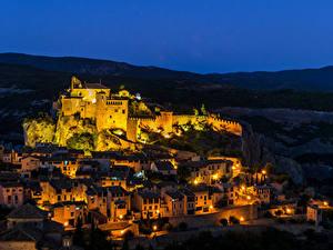Картинка Испания Здания Крепость Ночь Уличные фонари Alquezar Aragon город