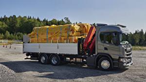 Фотографии Сканиа Грузовики 2017 G 410 6×2 flatbed with crane Автомобили