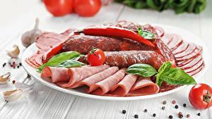 Фото Овощи Колбаса Ветчина Нарезанные продукты Тарелке