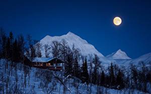 Обои Зима Дома Горы Ночные Луна Снег Деревья Природа