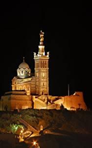 Картинки Собор Франция Ночные Холмы Notre-Dame de La garde, Marseille Города