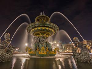 Обои Франция Фонтаны Скульптуры Париж Уличные фонари Ночные Fontaine des Mers