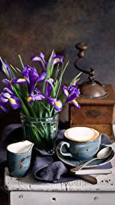 Фото Натюрморт Ирис Кофе Чашка Ложка Пища Цветы