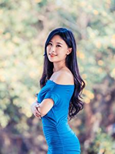 Фотографии Азиатки Платье Взгляд Боке Брюнеток Девушки