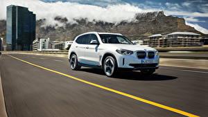 Фотография BMW Дороги Едет Белый CUV Металлик iX3, G08, Worldwide, 2020