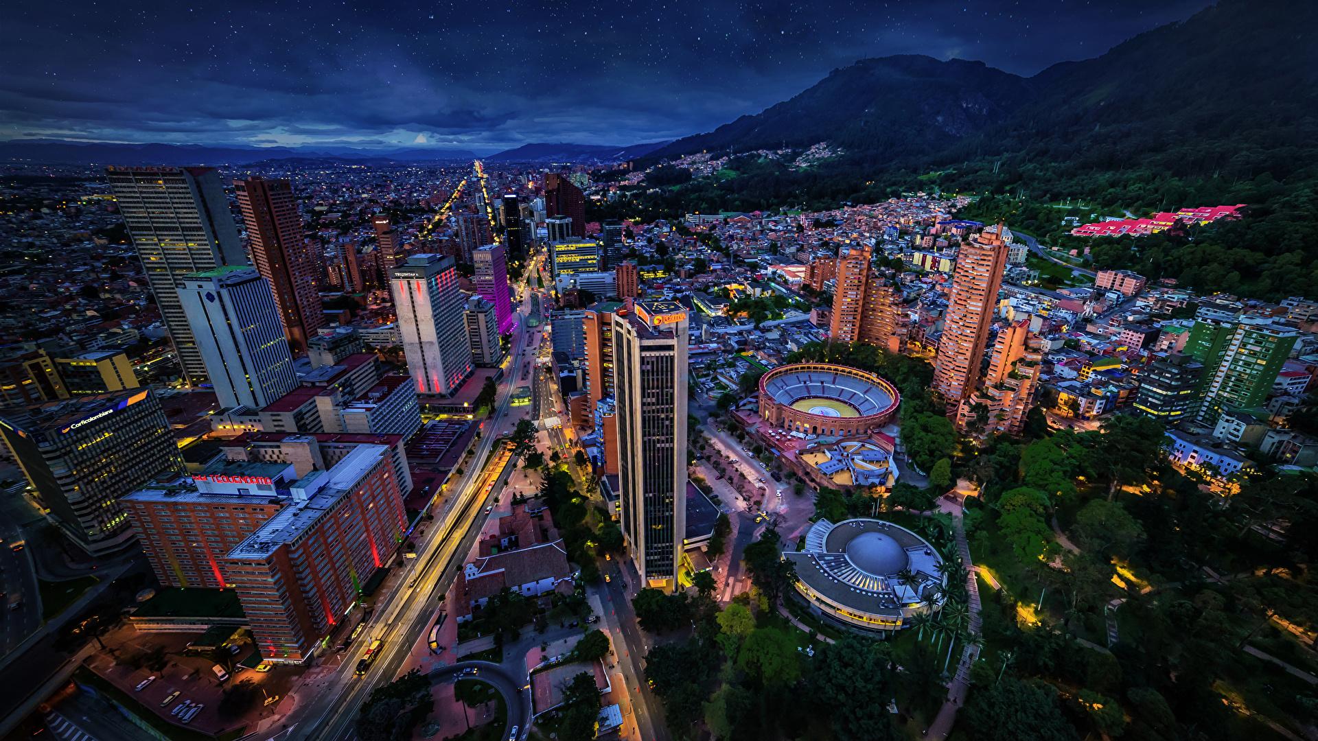 Фото Колумбия Bogota Дороги Ночь город Здания 1920x1080 ночью в ночи Ночные Дома Города