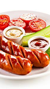 Обои Сосиска Белый фон Тарелка Кетчуп Продукты питания
