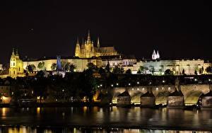 Обои Прага Чехия Замки Мосты Реки Ночью Vltava Города