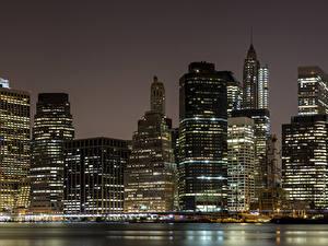 Фотография США Небоскребы Манхэттен Нью-Йорк Ночные город